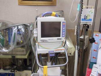 心電図、呼吸、血圧、酸素分圧モニター
